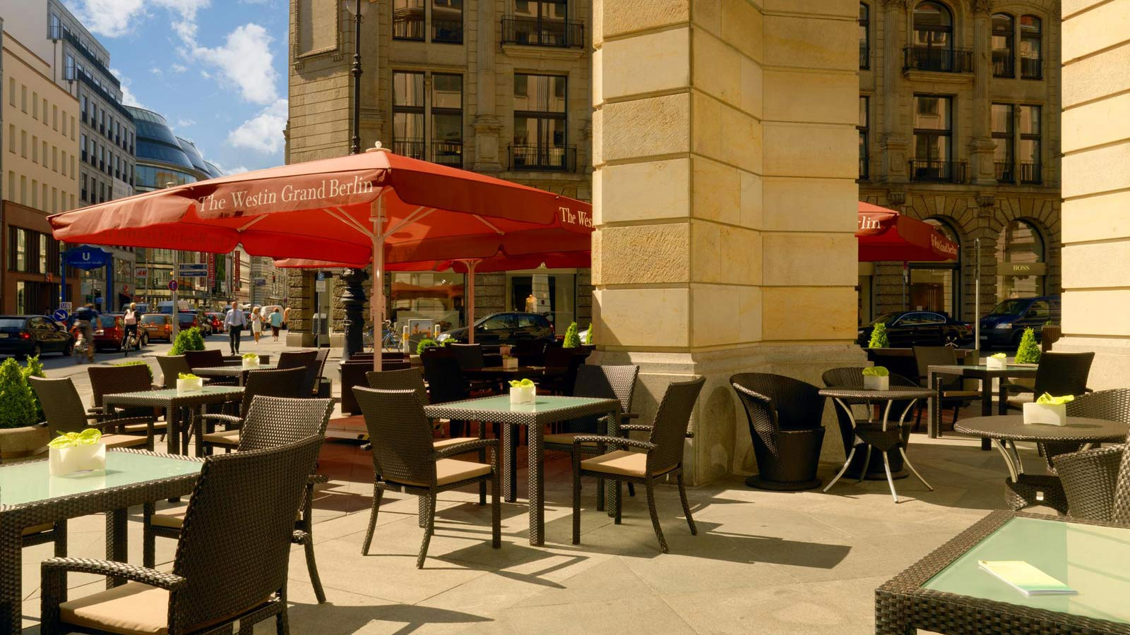 Terrasse des Relish Restaurant im The Westin Grand Hotel Berlin