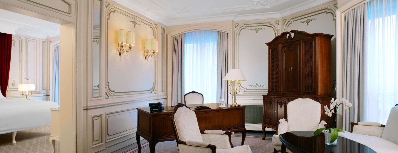 Linving room of the Themed Suite Sanssouci at The Westin hotel Berlin
